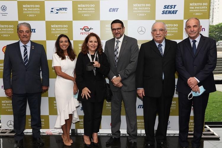 Emoção marca a entrega da Medalha Mérito do TRC Paulista Adalberto Panzan